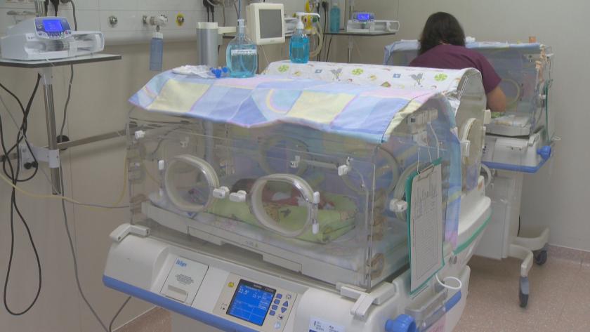 """България ще има детска неонатална линейка благодарение на """"Капачки за бъдеще"""""""