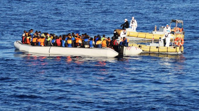 Спор между Франция и Великобритания за миграцията през Ламанша