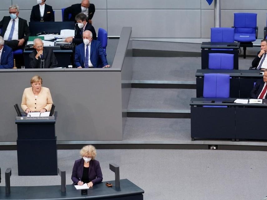 Последна реч на Меркел в Бундестага преди изборите на 26 септември