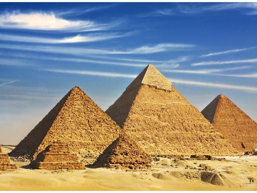 Египет въвежда изискване за QR код в сертификата за PCR тест