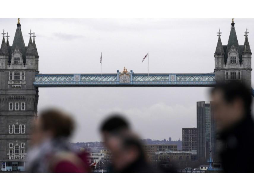 Над 50 000 граждани на ЕС са кандидатствали вчера за статут на уседналост в Обединеното кралство