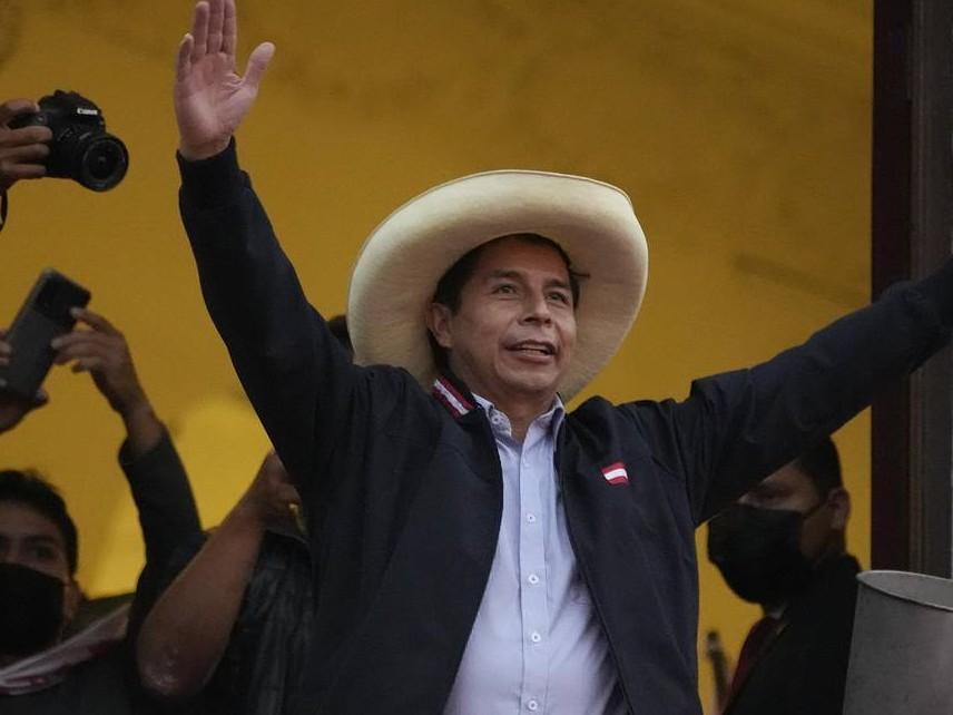Педро Кастильо официално печели президентските избори в Перу