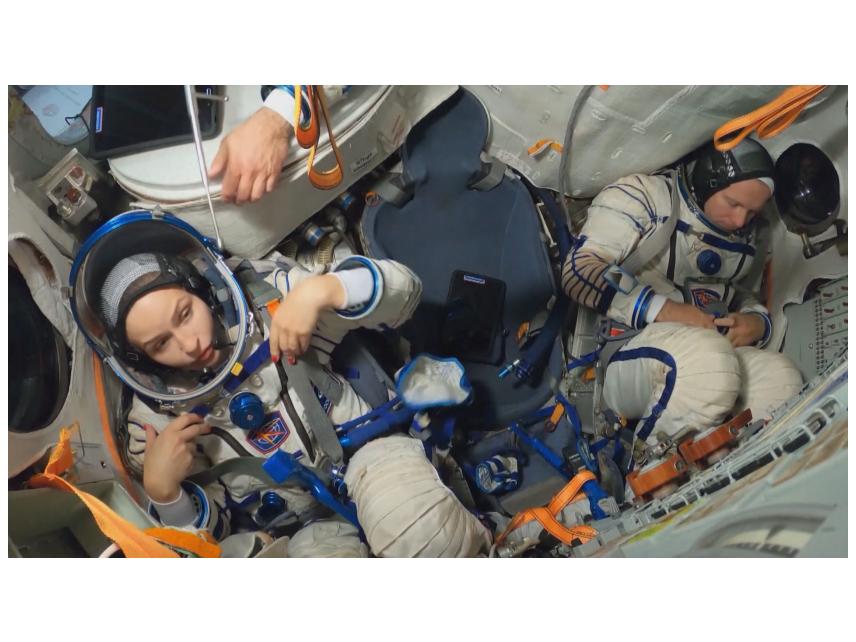 Русия изпраща артисти в Космоса